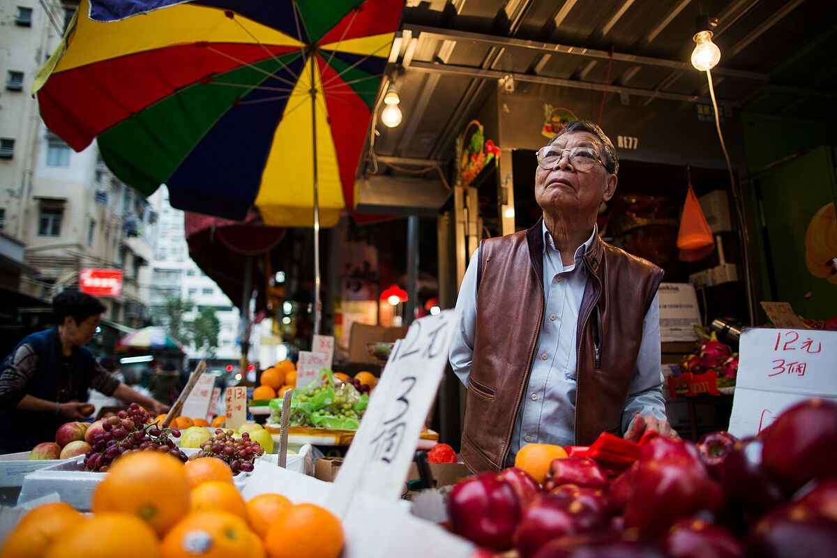 Щоб заощадити на харчуванні, досить купувати їжу на ринках або в супермаркеті.