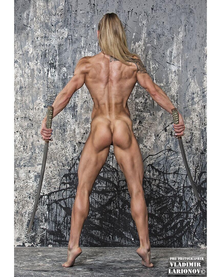 Анна Віткалова зі спини