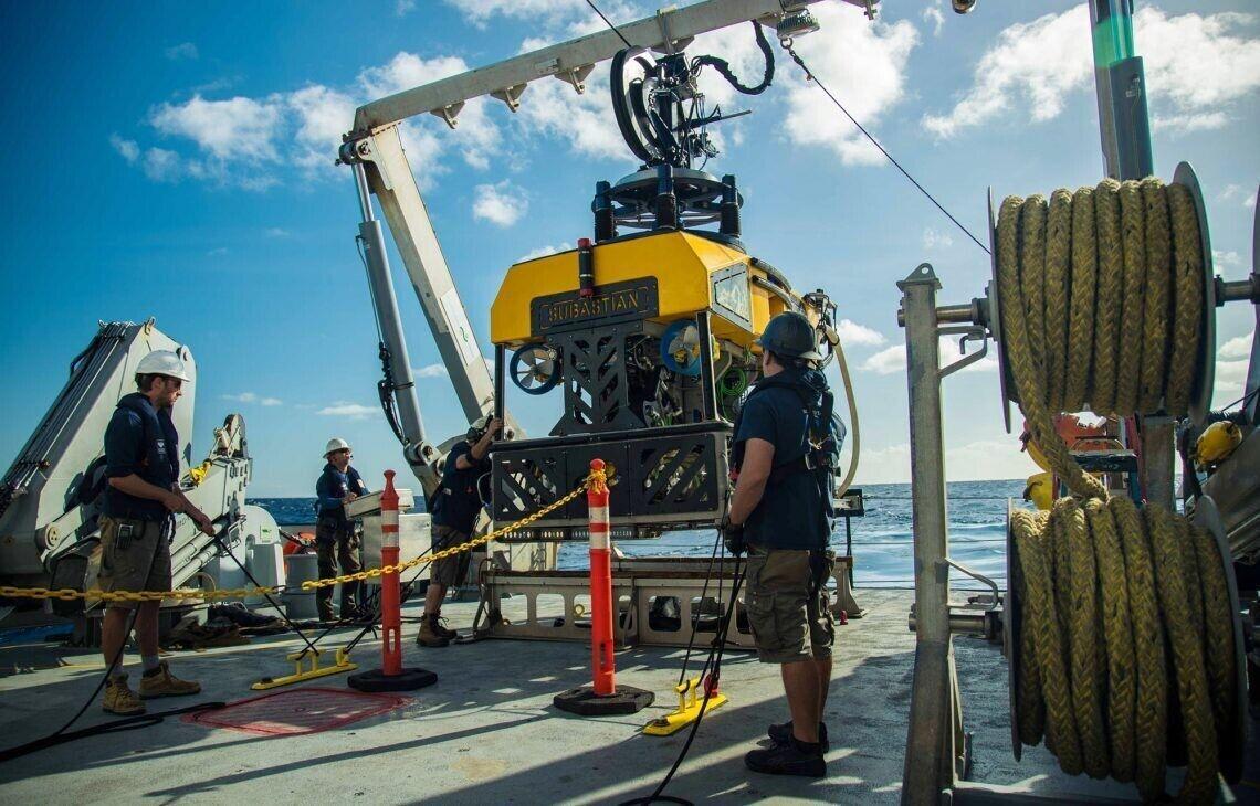 Ученые провели погружение, использовав подводного робота SuBastian