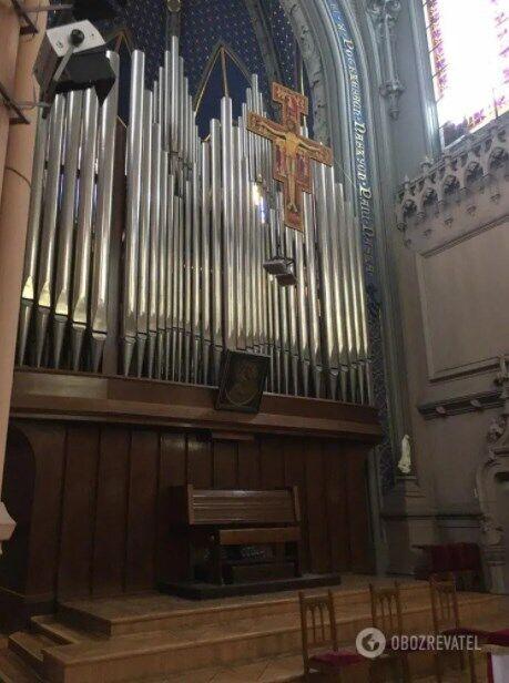 Орган, встановлений у костелі, монтували на місці