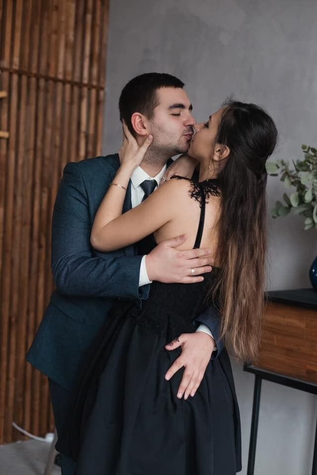 Наталья и Олег были счастливы.