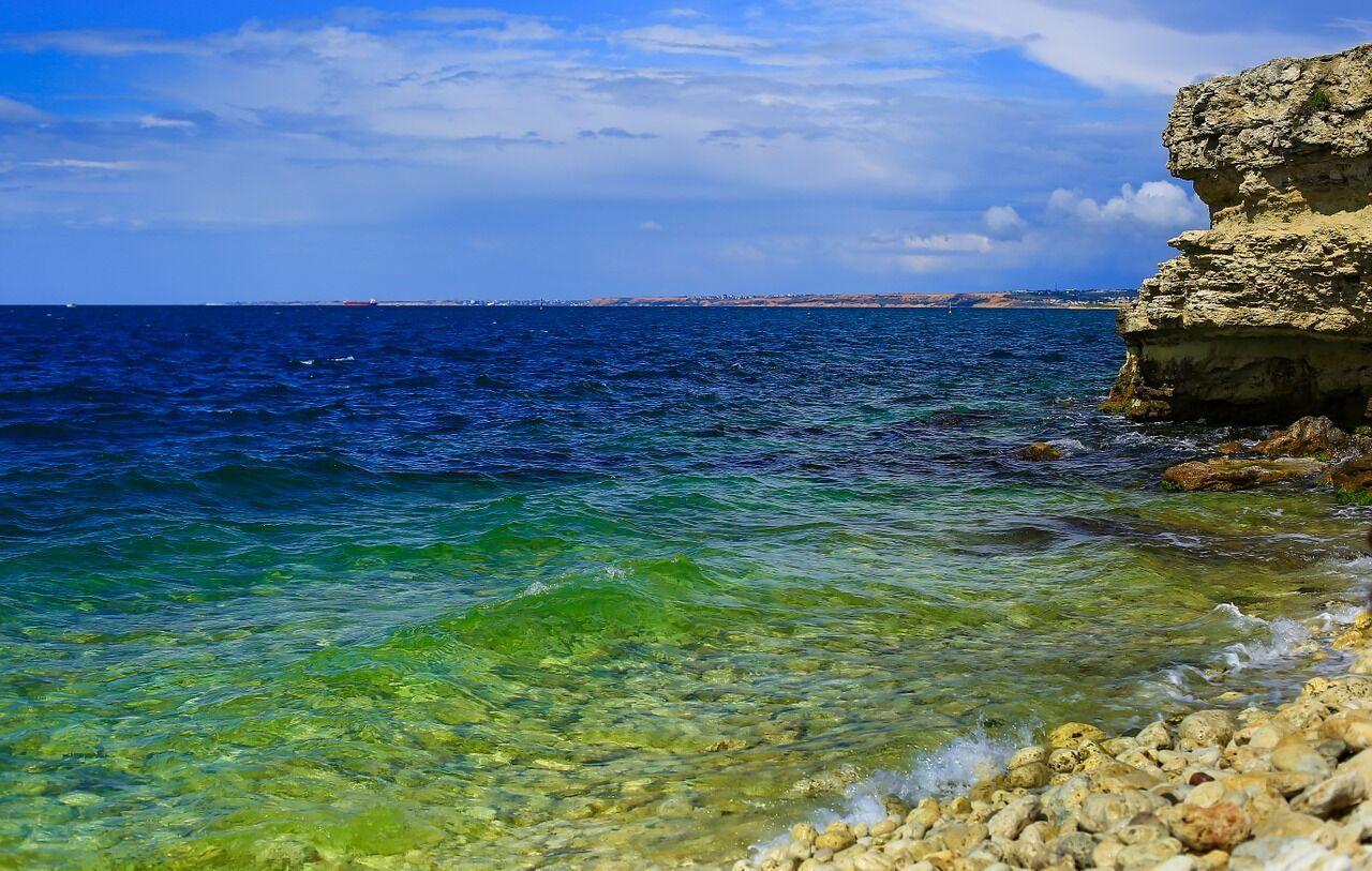 Наибольшая глубина Черного моря – 2 тысячи 212 километров