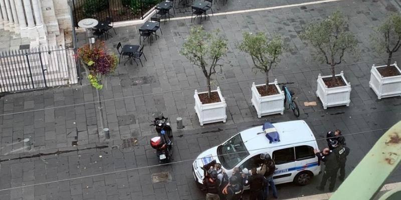 В центре Ниццы много полиции