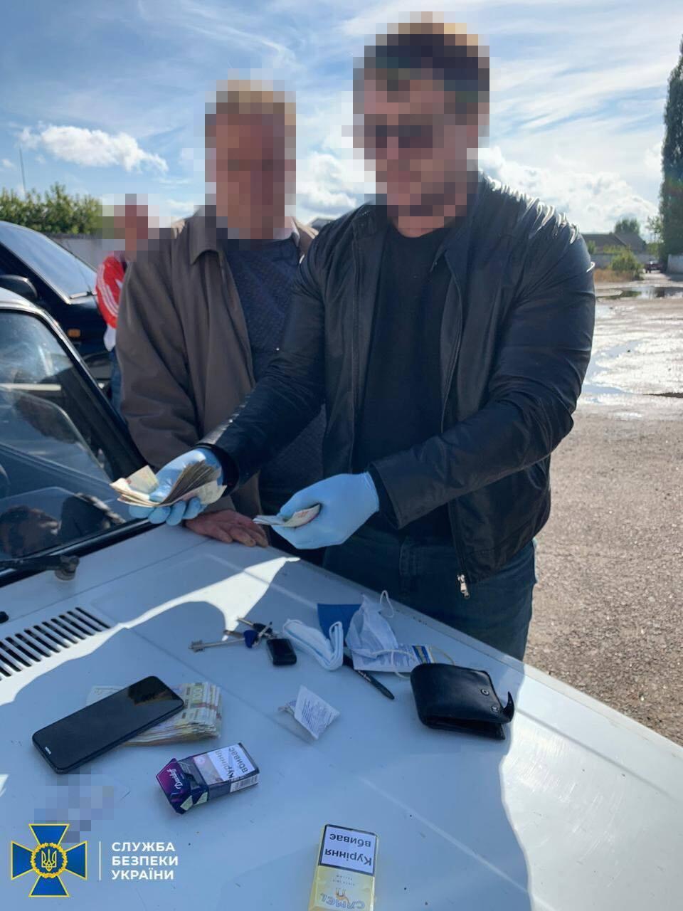 СБУ задержала на взятке чиновника мэрии Подольска