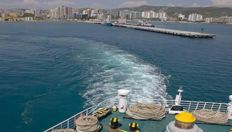 В порту Влера задержали яхту с украинцами
