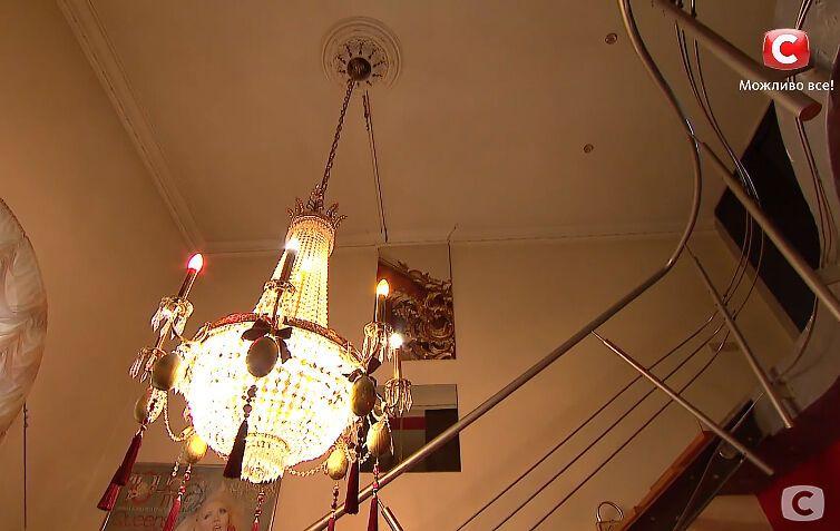 Светлана Вольнова показала люстру, стоимостью 6 тысяч долларов