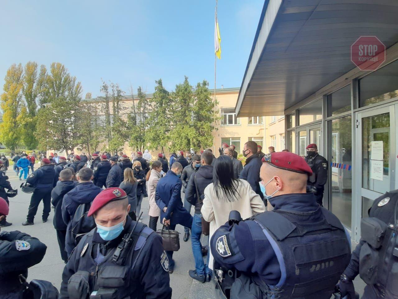 Столкновения и забастовки в колледже Поддубного. Заведение реорганизуют, экс-руководитель – против