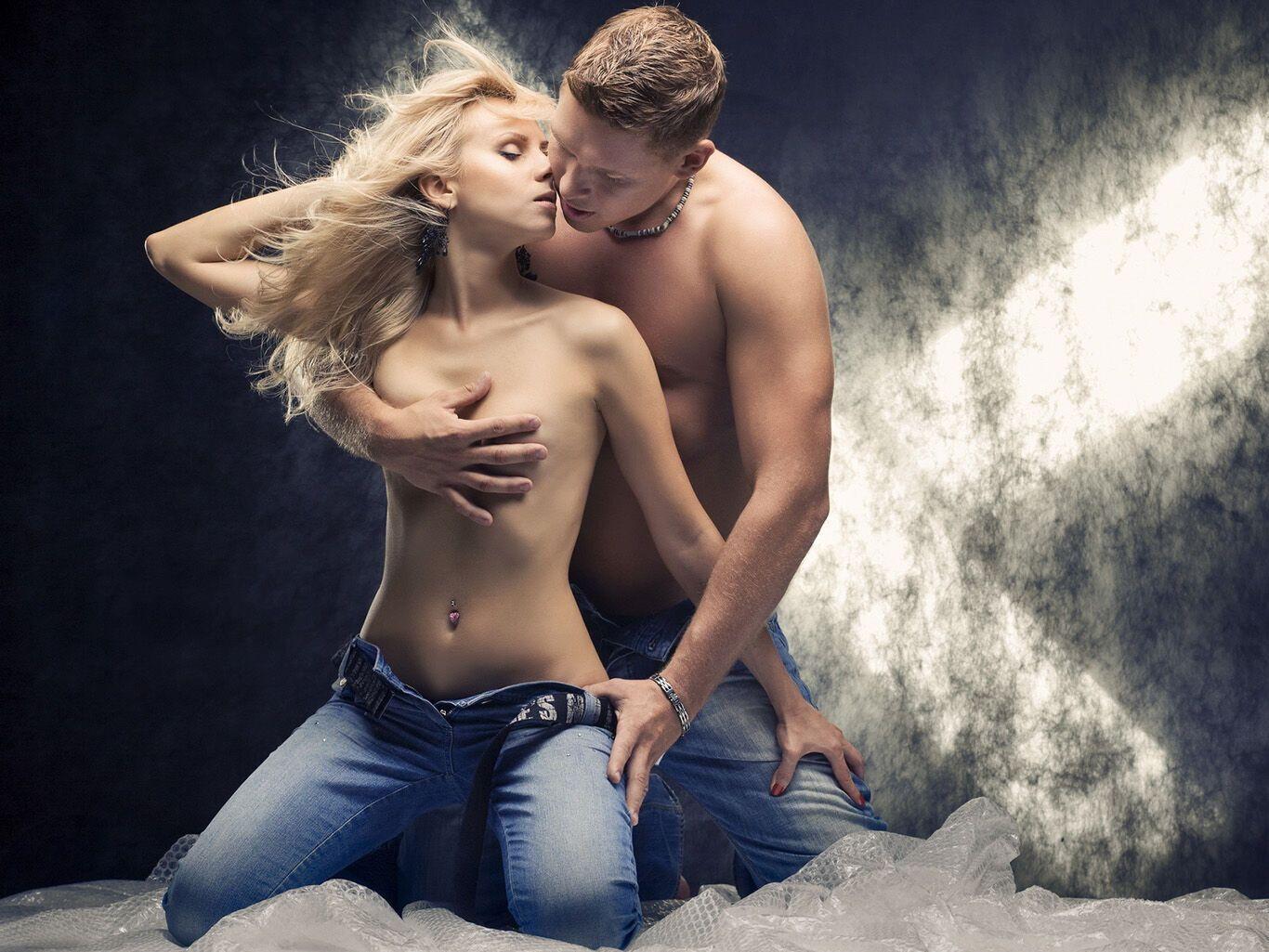 Вчені з'ясували список найпопулярніших сексуальних фантазій у жінок і чоловіків