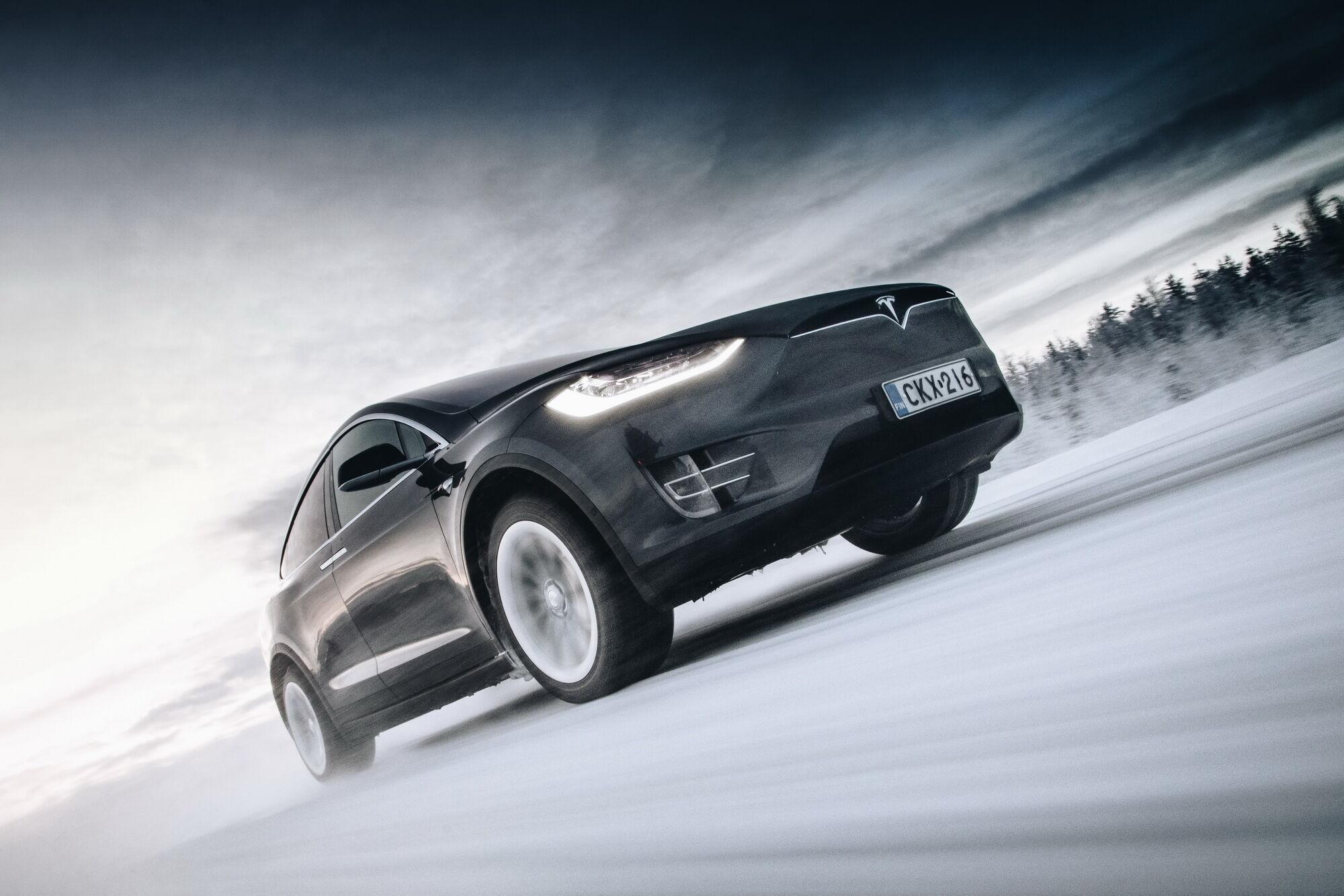 Nokian Hakkapeliitta R3 SUV предназначены для широкой гаммы моделей современных внедорожников и SUV, в том числе, гибридов и электромобилей