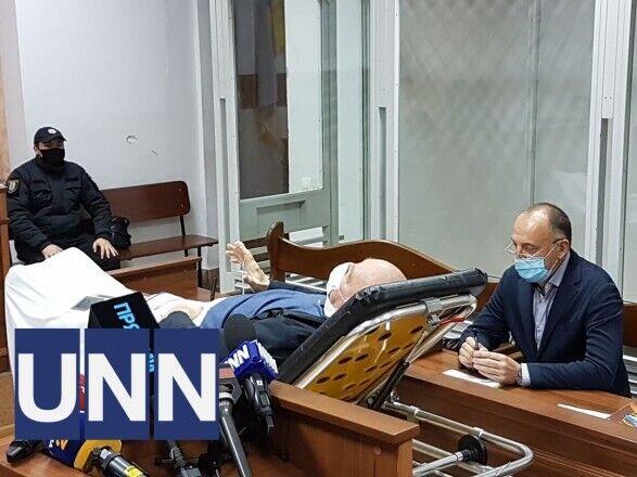Назаренко выступал перед судом, лежа на каталке.