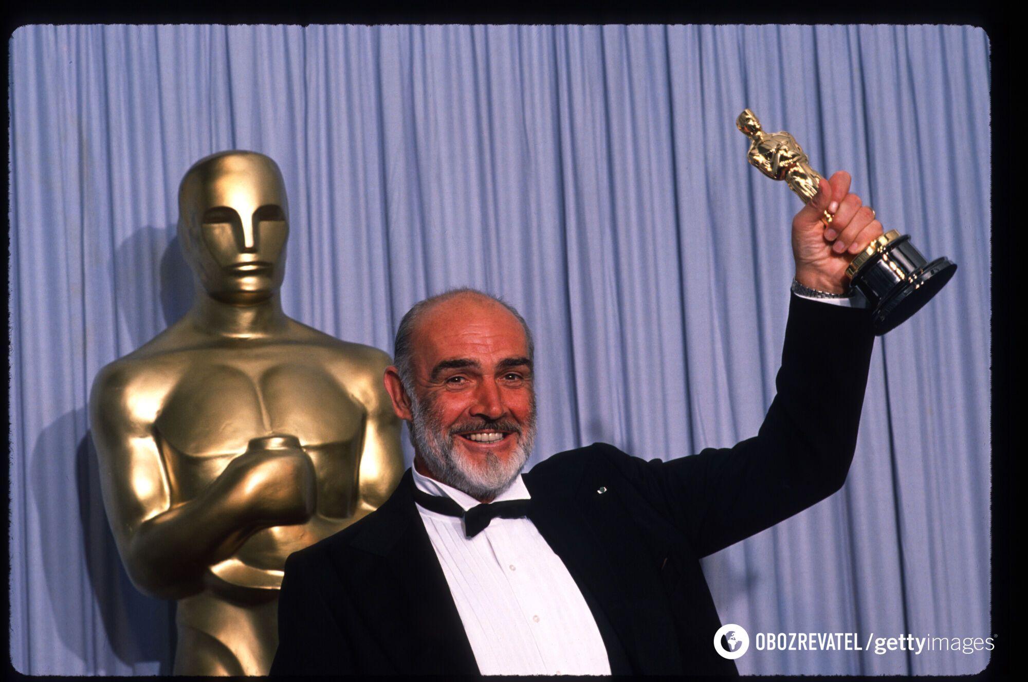 """Шон Коннері – лауреат премії """"Оскар""""."""