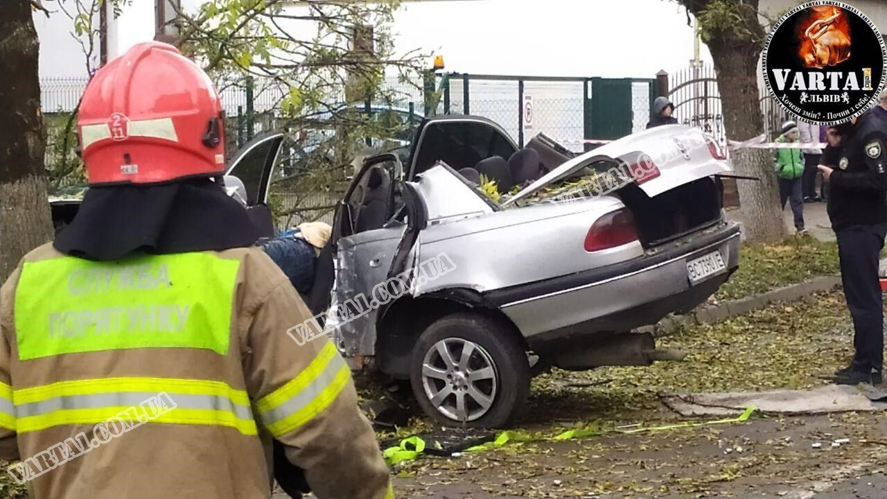 На місці аварії працювали рятувальники