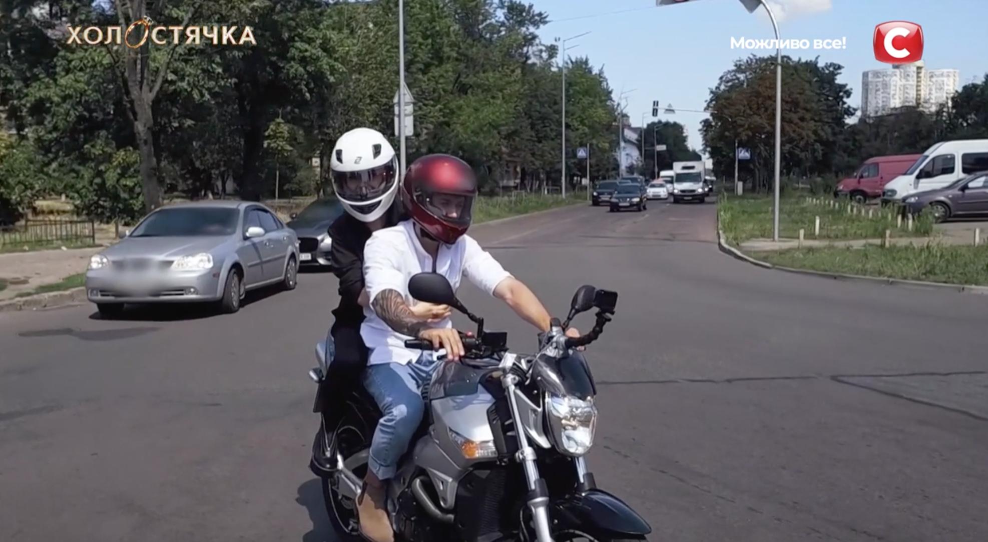 """Участник шоу """"Холостячка"""" похитил Мишину"""