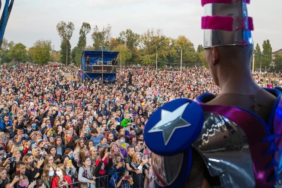 Мероприятие в разгар пандемии собрало более 2000 зрителей