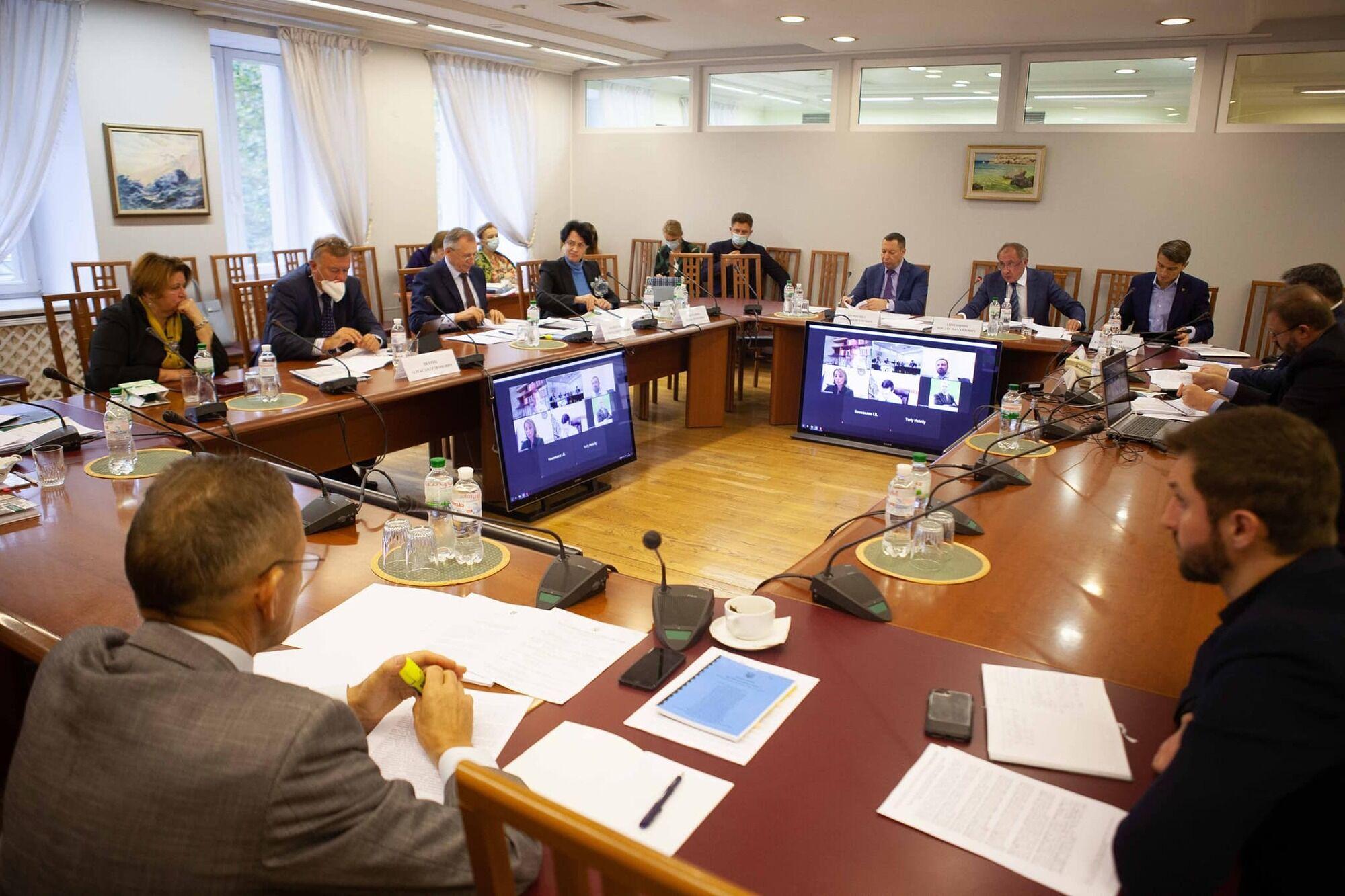 Заступник голови НБУ Сологуб також отримав попередження