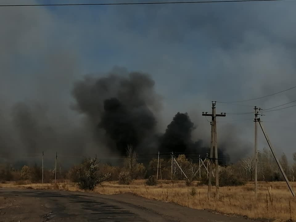 У Станично-Луганській РДА причиною пожежі назвали підпал.