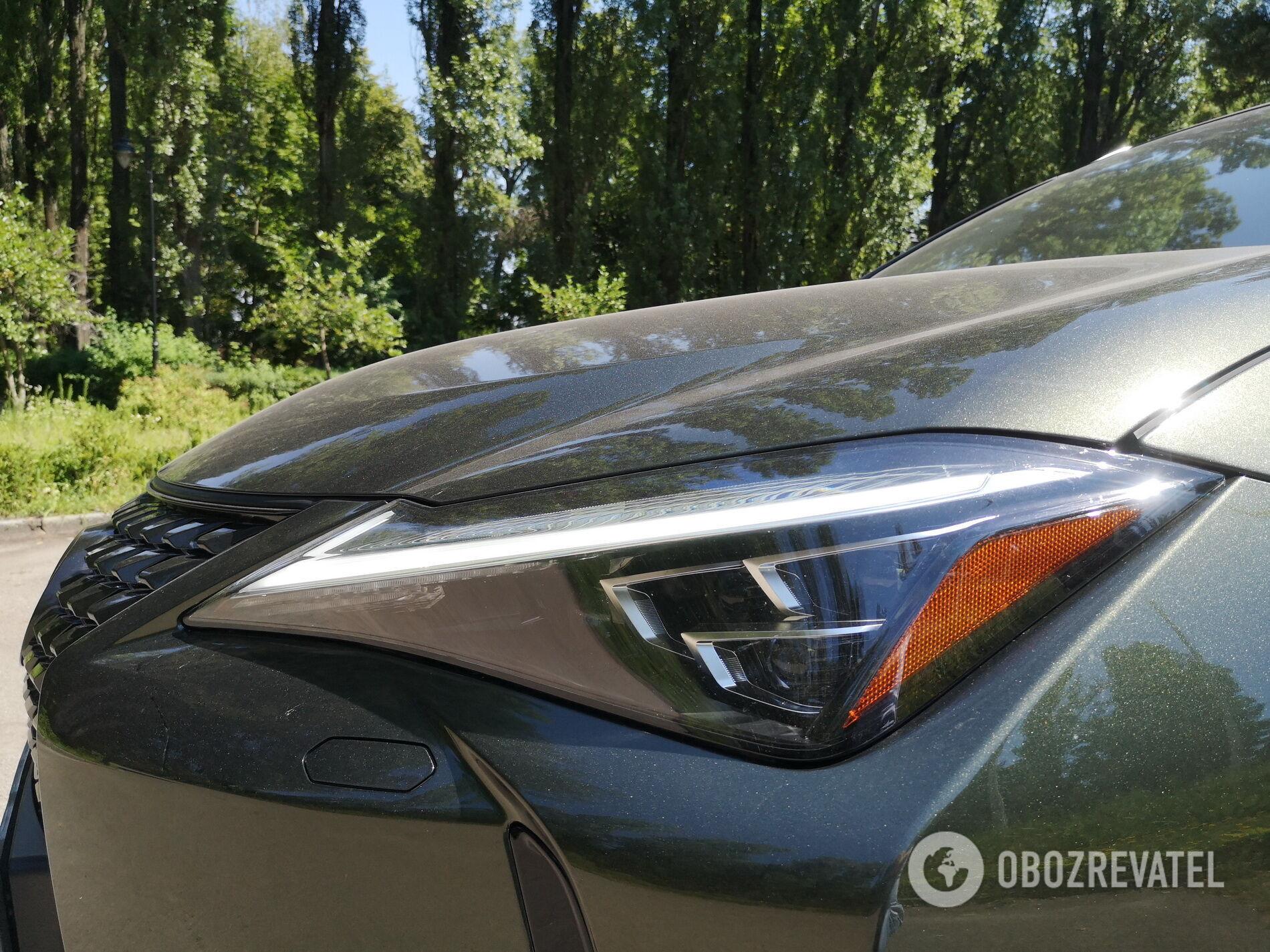 2020 Lexus UX 250h. Фото: