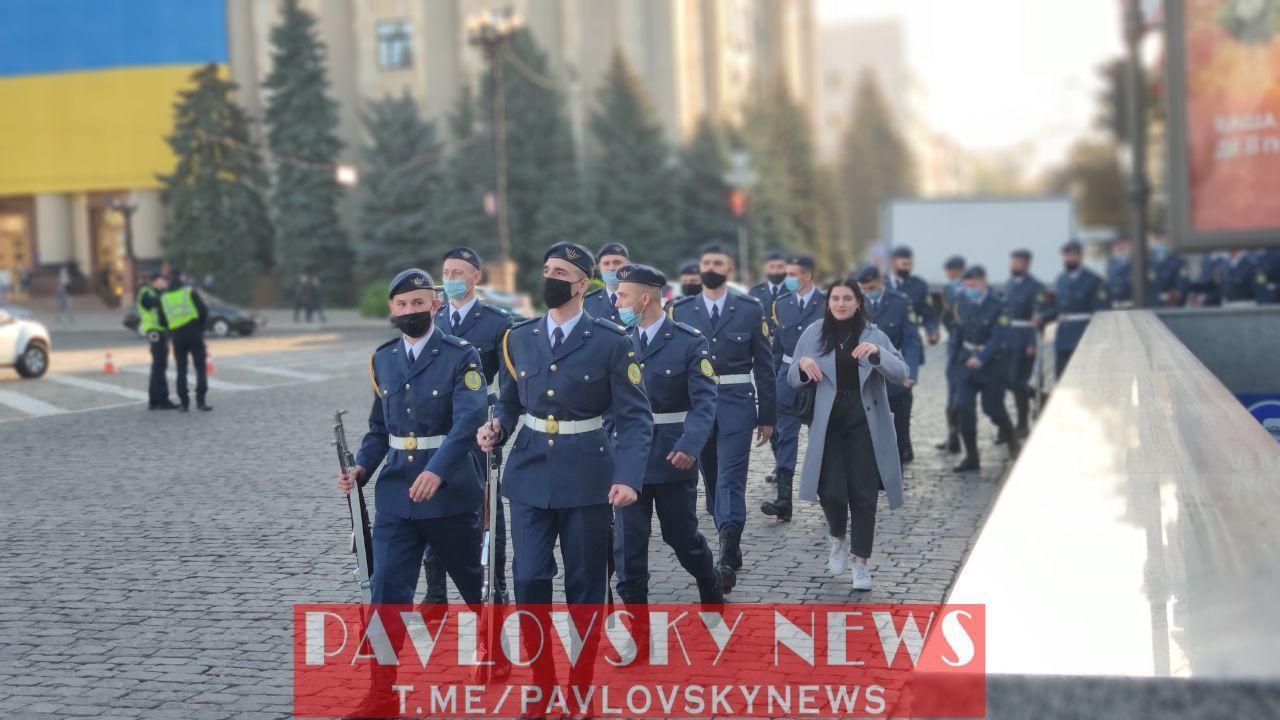 У церемонії прощання візьмуть участь кілька тисяч військових.