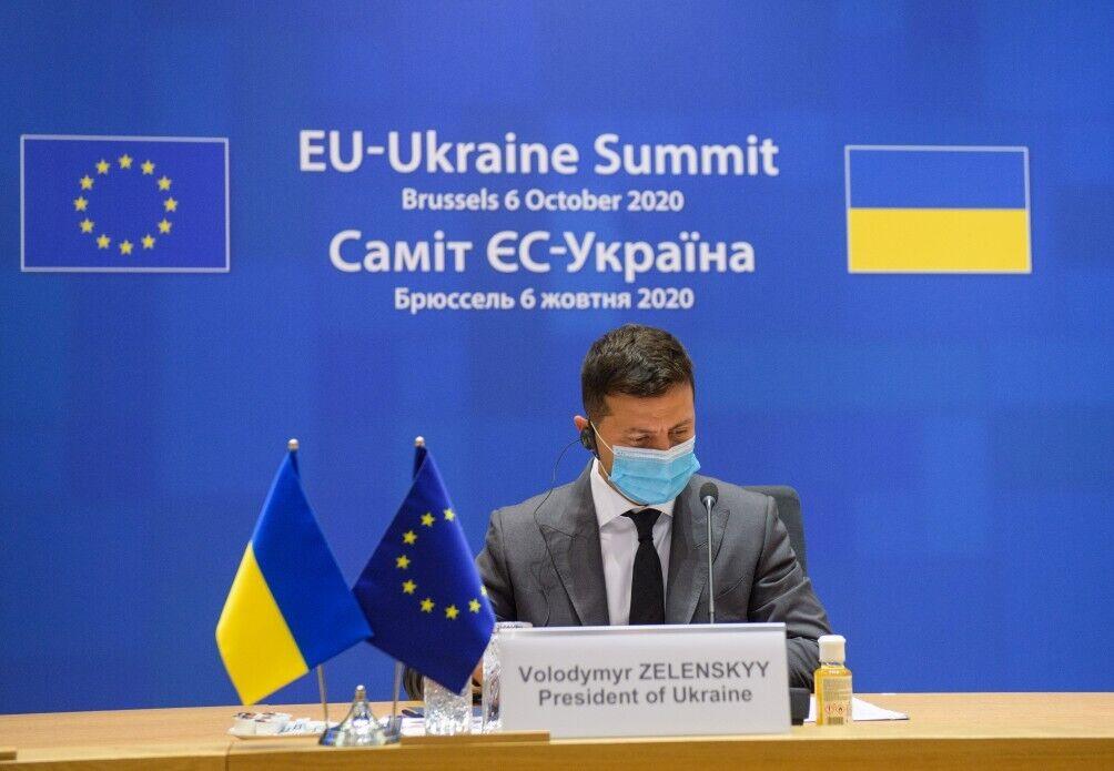 Зеленский поднял вопрос о дезинформационных вызовах.