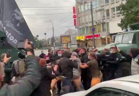 В Киеве под судом произошли стычки