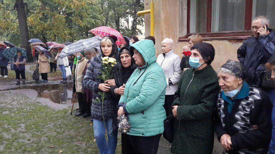 На Житомирщині попрощаються з загиблими в авіакатастрофі курсантами.