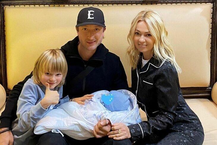 Рудковська і Плющенко заплатили сурогатної матері майже $ 5 млн
