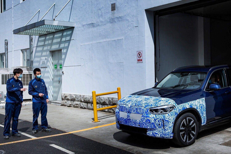 В Китае началось производство BMW iX3.