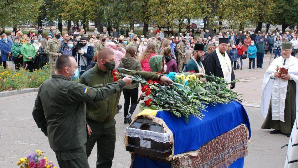 С Константином Зыбюком пришли проститься 500 жителей Староконстантинова.