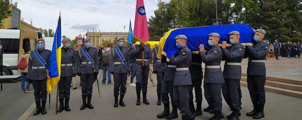 В Николаеве простились с Владимиром Олабин и Андреем Померанцевым.