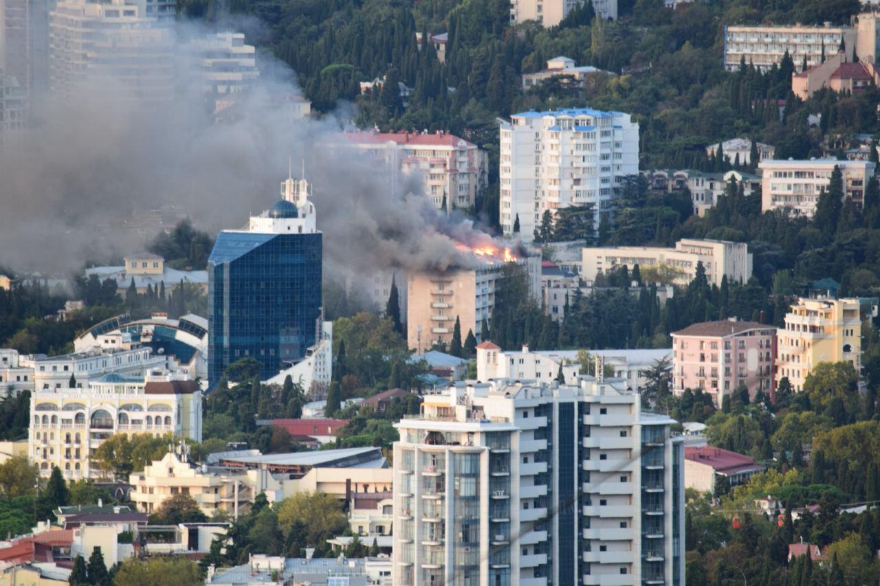 В Ялте произошел крупный пожар в санатории