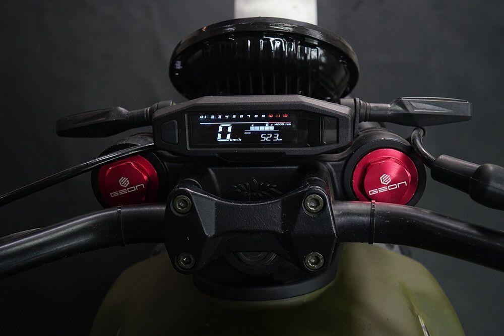 В Україні налагодили випуск електричного мотоцикла GEON ScrAmper.