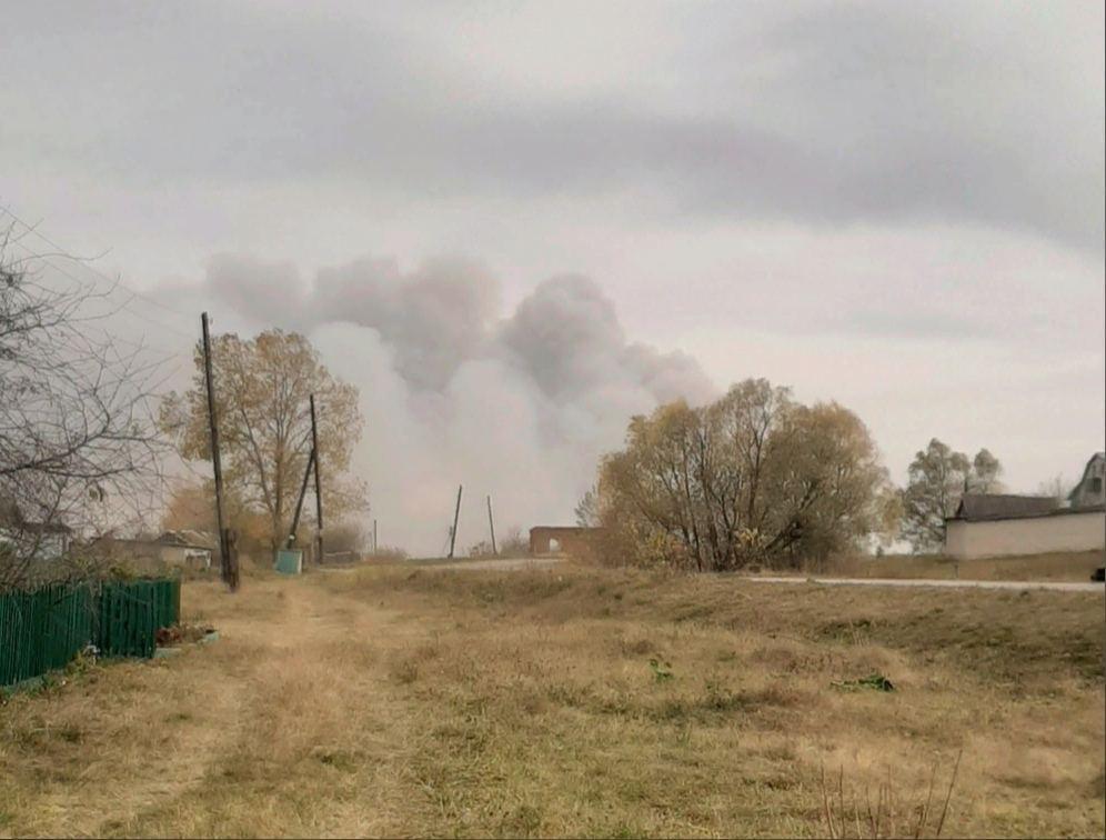 Огонь с горящей травы в Рязанской области перебросился на склады артиллерийских снарядов