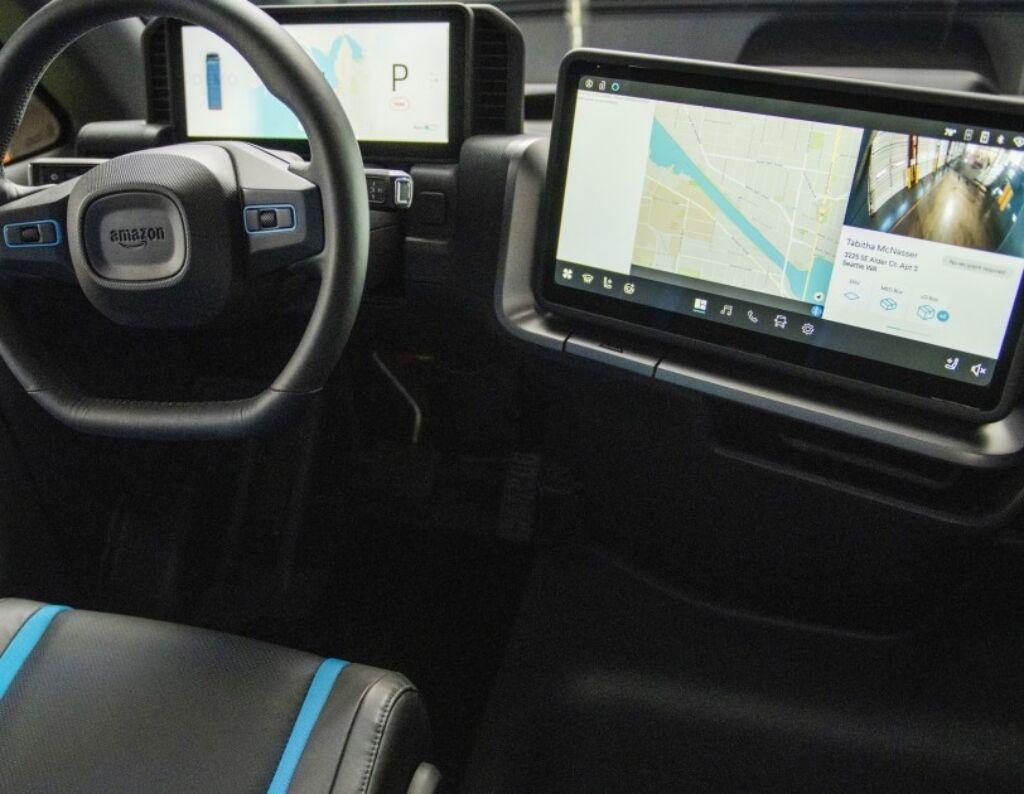 Робочий простір водія максимально відповідає потребам і специфіці роботи. фото:
