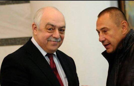 Вадим Казарцев (справа).