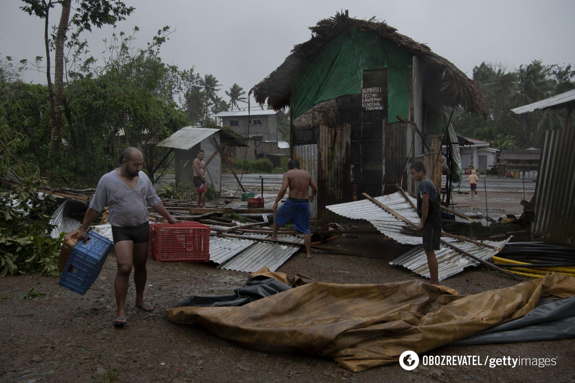 Наслідки тайфуну на Філіппінах.