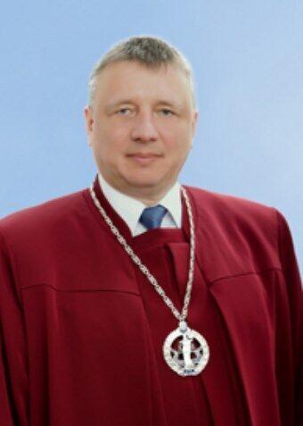 Судья Александр Литвинов.
