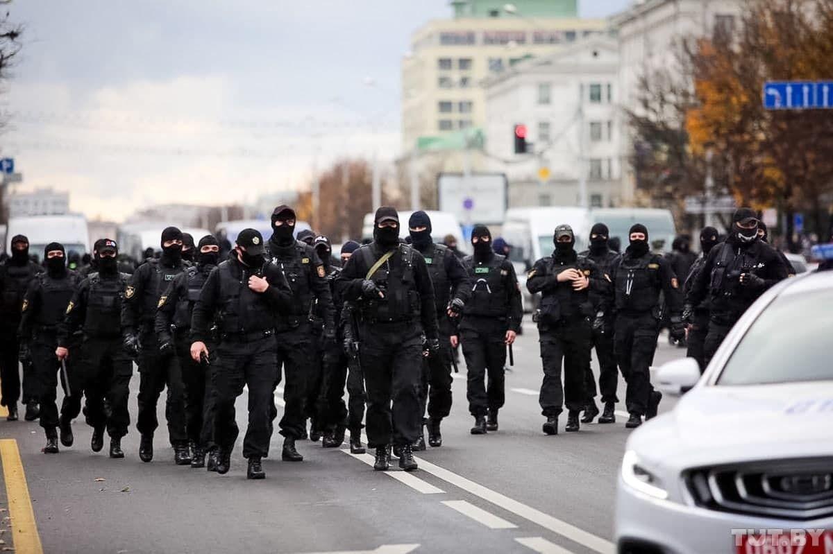 Силовики в Минске.