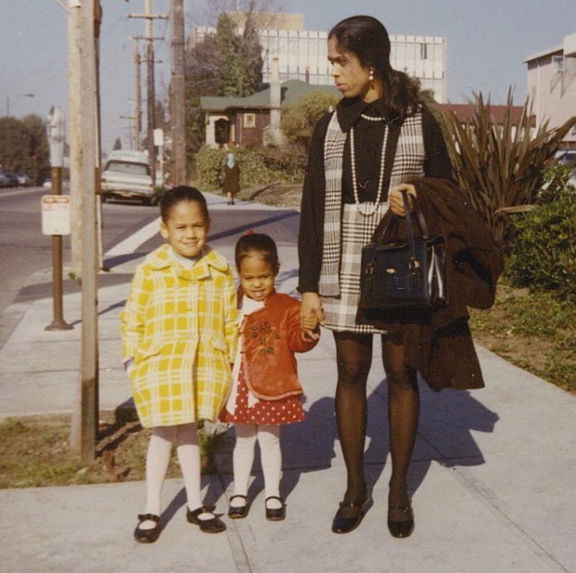 Камала Гарріс із мамою й сестрою