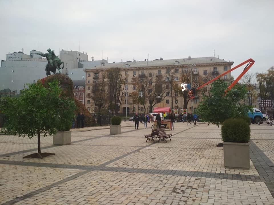 Софийскую площадь обновили декорациями