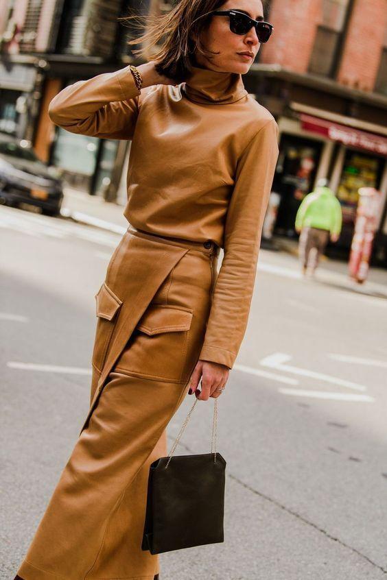 Психологи рекомендують додати коричневий колір в осінньо-зимовий гардероб.