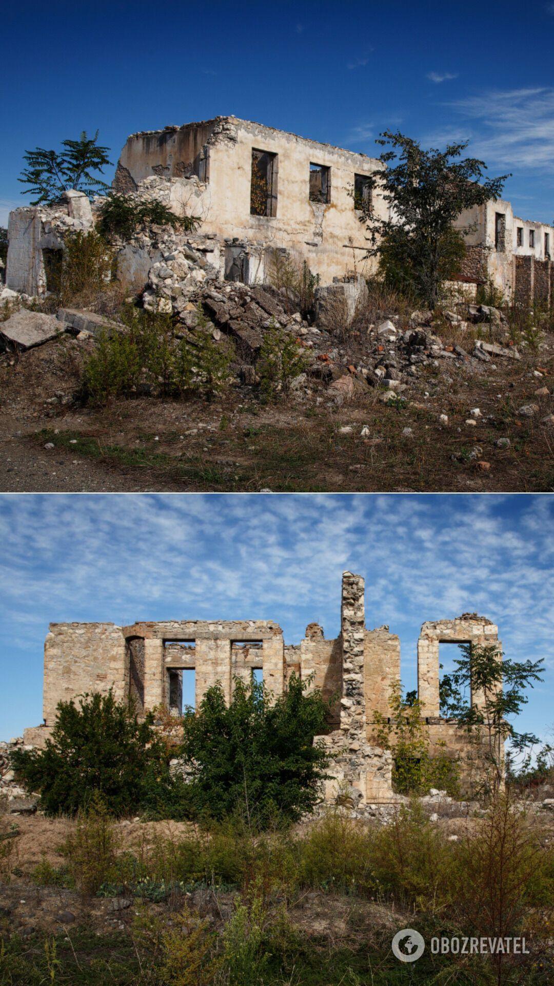 """У перекладі з азербайджанської Агдам – """"Білий дах"""", але вірмени використовували іншу назву – Акна, що, за їхньою версією, означає просто віддалений квартал Аскерану, найближчого райцентру"""