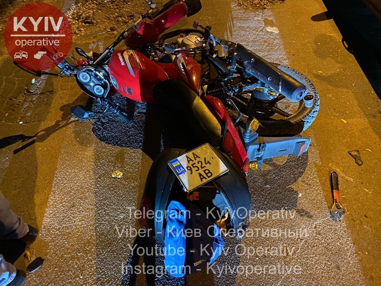 Злоумышленник заранее снял номера с мотоцикла.