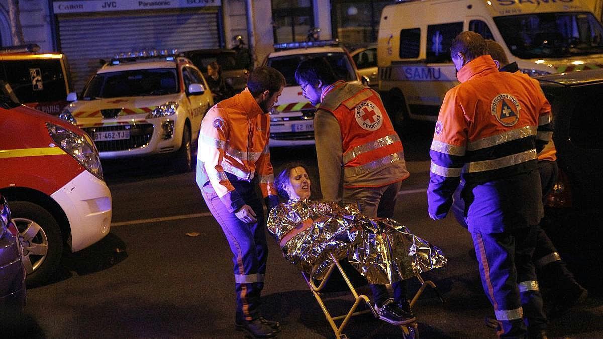 Жертвами терактов в Париже стали 130 человек, еще более 350 были ранены