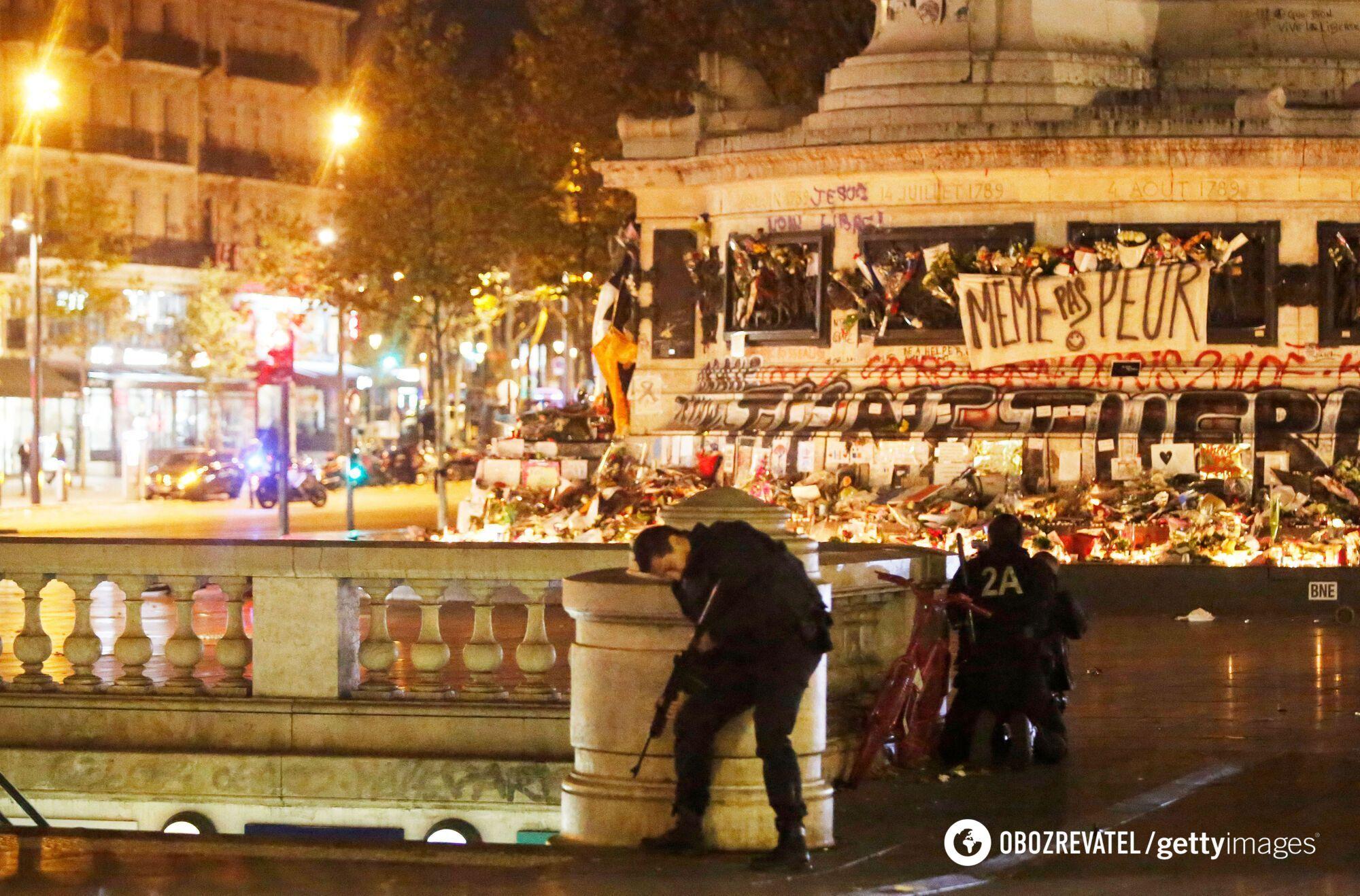 В связи с серией терактов во Франции в четвертый раз за ее историю было введено чрезвычайное положение