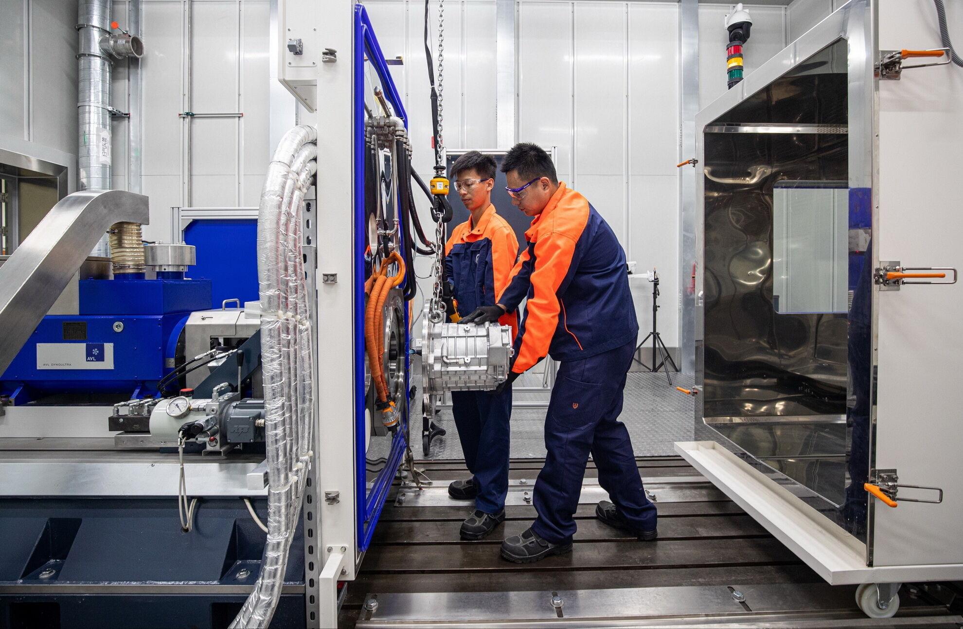 В рамках стратегии электрификации компания Volvo открыла в Шанхае новую лабораторию по разработке электрических моторов