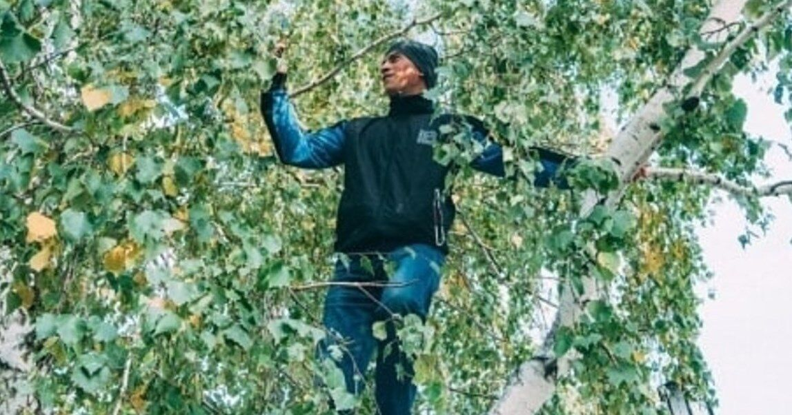 Дудоладова доводитися лізти на восьмиметрову висоту.