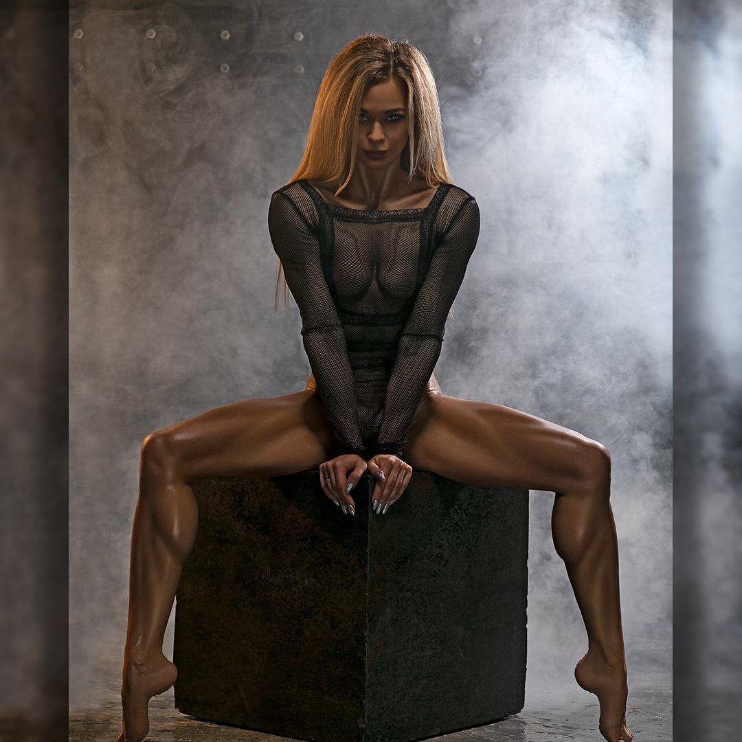 Мария Бурлака в прозрачном белье