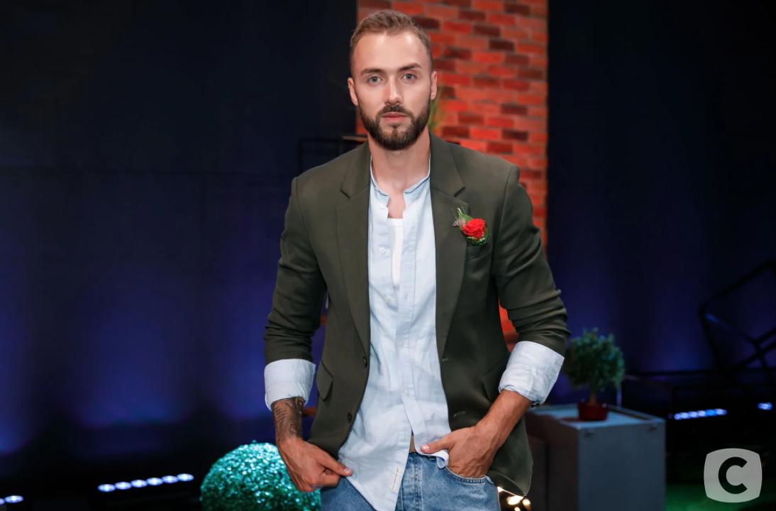"""Назар Дзівульський покинув шоу """"Холостячка""""."""