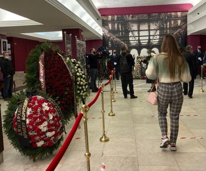 С Джигарханяном прощаются в Москве