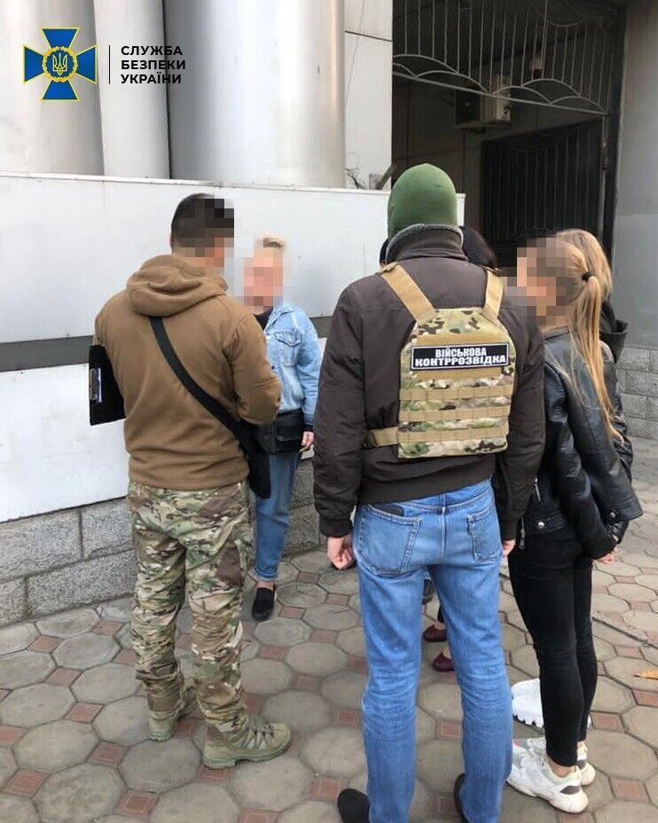 """Правоохоронці затримали зловмисницю в Одесі під час отримання """"авансу"""""""